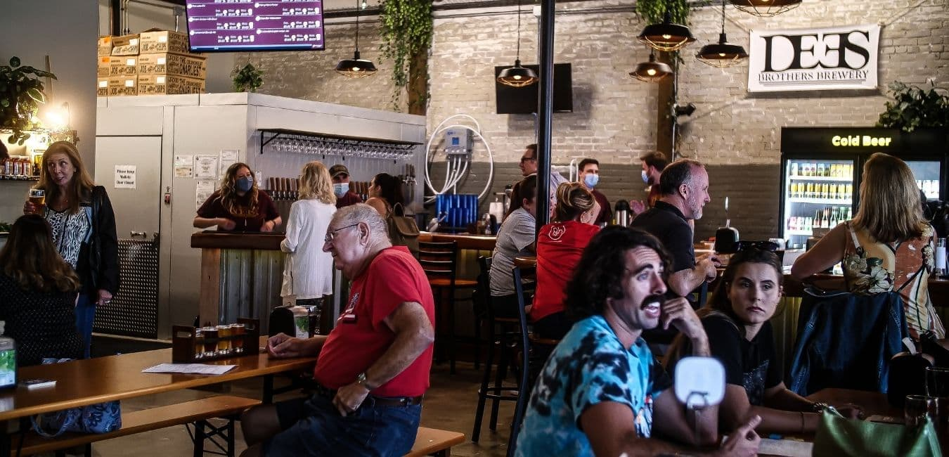 Dees Brtohers Brewery with a lively crowd in our beautiful downtown historic sanford setting